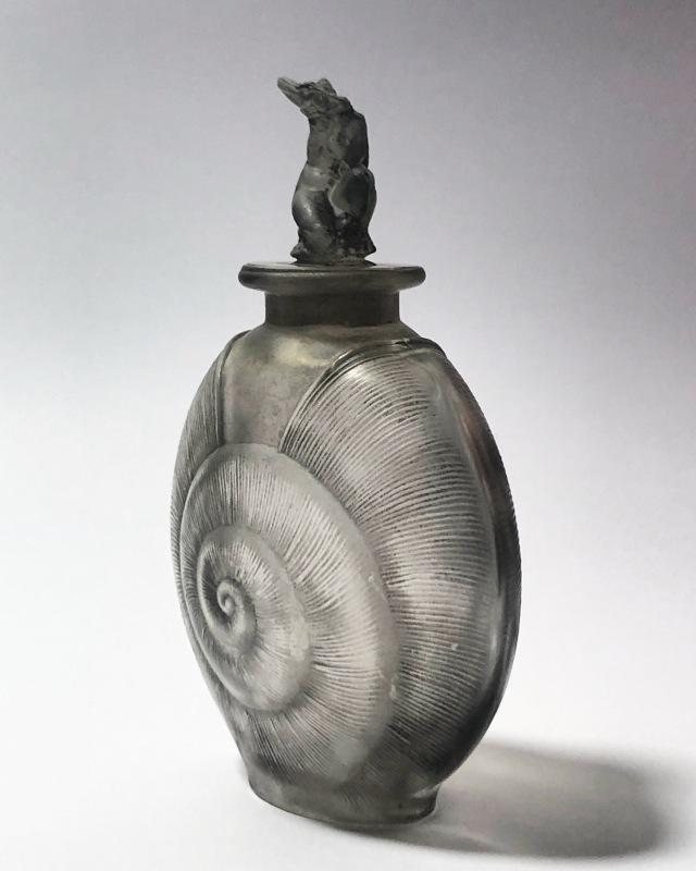 Flacon «Amphitrite » gris
