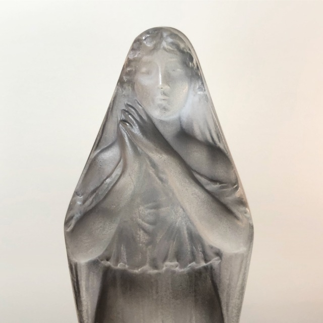 Statuette « Voilée Mains Jointes bleue »