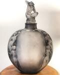 Vase «Méplat Sirènes avec Bouchon Figurine»